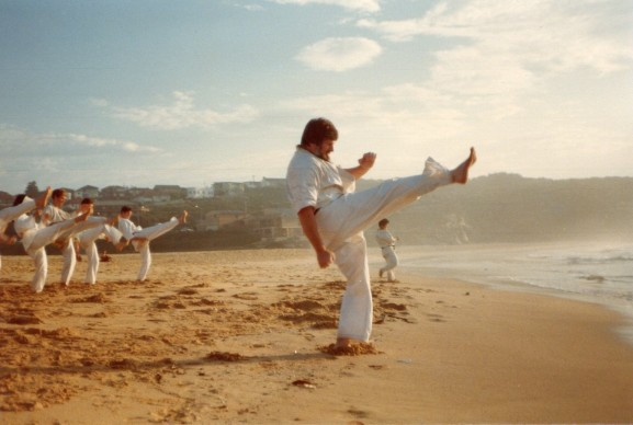 Shihan Howard Lipman leads beach training