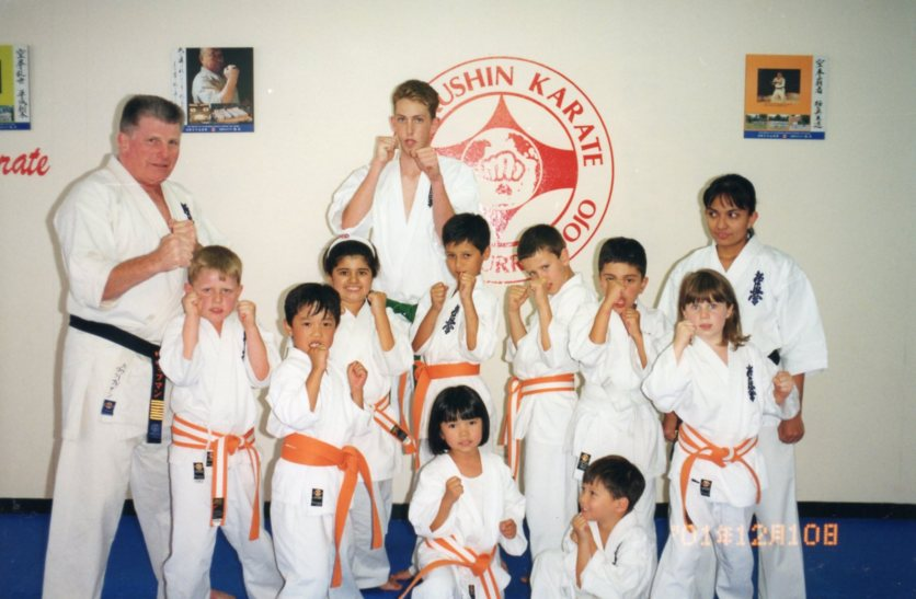 Hanshi Howard Lipman with young students